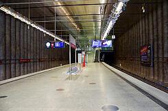 Südlicher Bahnsteigbereich im U-Bahnhof St.-Quirin-Platz
