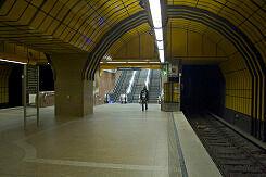 Aufgang zur Festwiese im U-Bahnhof Theresienwiese