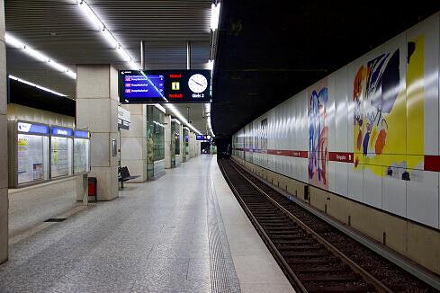 Einfahrender A-Wagen am Königsplatz