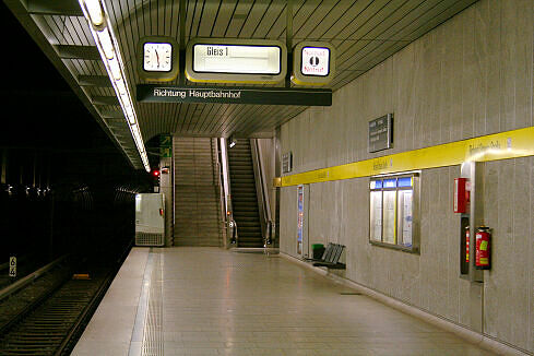 Richard-Strauss-Straße Gleis 2