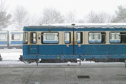 A-Wagen-Prototyp 091 bei Schneetreiben in Fröttmaning