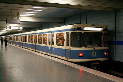 A-Wagen 169 am Goetheplatz