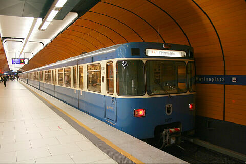 A-Wagen 203 am Marienplatz