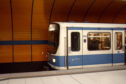 B-Wagen 503 am Marienplatz