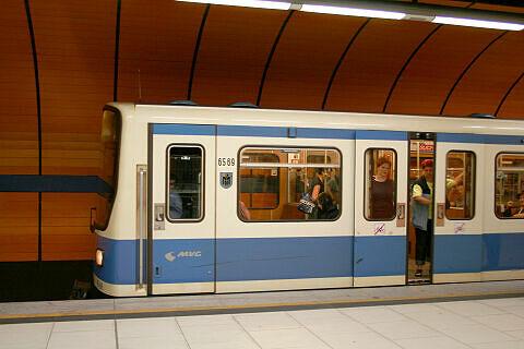 B-Wagen 569 am Marienplatz