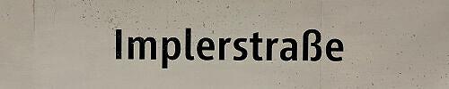 Stationsschild Implerstraße