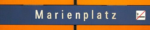 Stationsschild Marienplatz