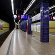 Wartender C-Zug im U-Bahnhof Josephsplatz
