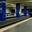 Einfahrender B-Wagen am Gleis 1 der Münchner Freiheit