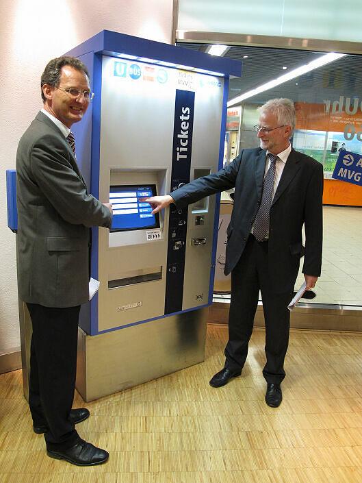 Präsentation des neuen Fahrkartenautomaten