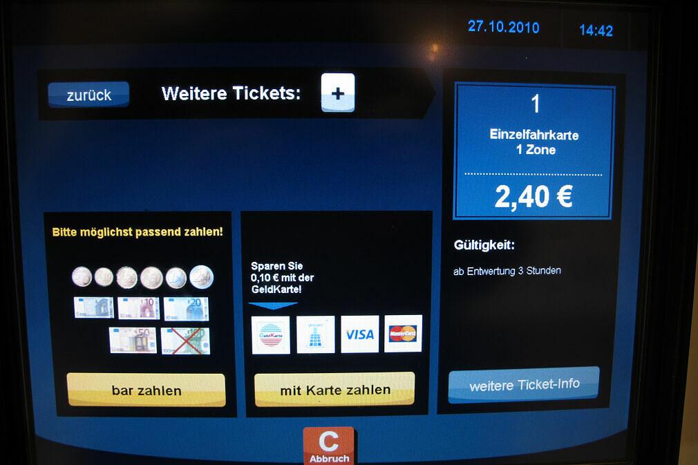 Zahlungsmöglichkeiten am neuen Fahrkartenautomaten