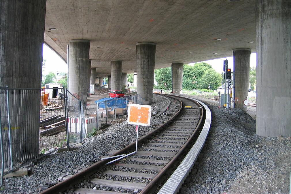 Baustelle Tatzelwurm - Verbindungsgleis der U-Bahn zum Bahnnetz