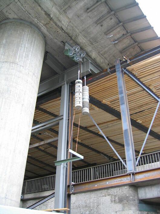 Tatzelwurm am DB-Güternordring