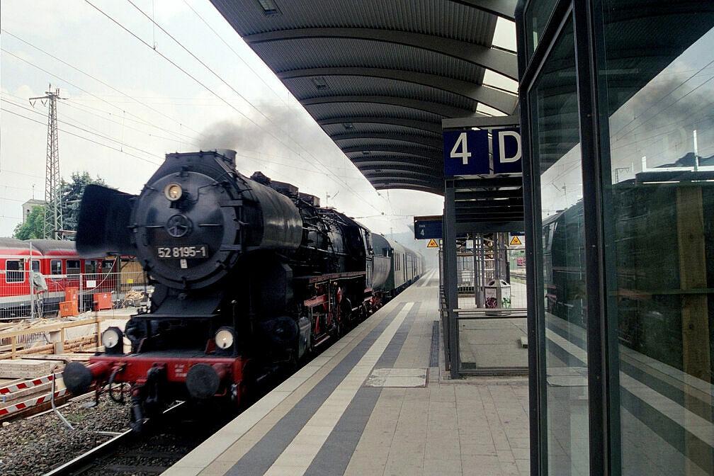 Überführung dreier U-Bahn-Wagen 2003 - Einfahrt in Treuchtlingen